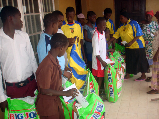 Rice distribution in Sierra Leone